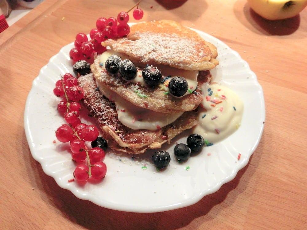 Dinkel-Haferflocken-Pancakes mit Beeren