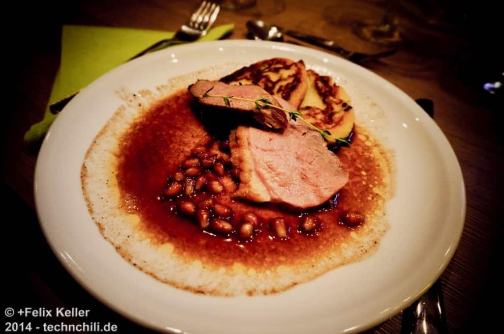 Hauptgang Entenbrust auf Macaire-Kartoffeln und Cranberry Garantapfel-Jus
