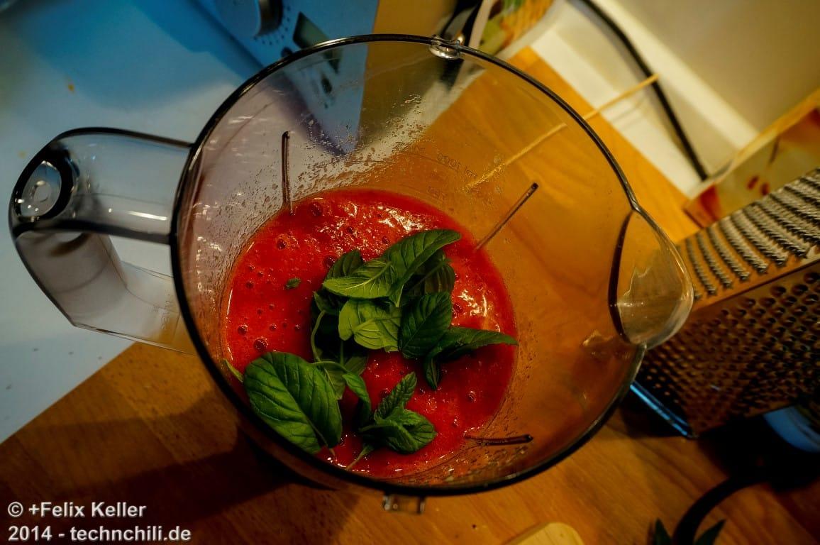 Leckerer Erdbeer-Apfel-Minz Smoothie
