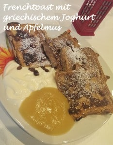 Frenchtoast mit griechischem Joghurt und Apfelmus