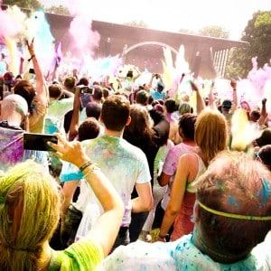 Holi Festival Berlin 2014 - Farbenfeuer geht los