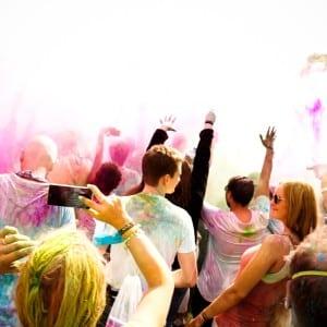Holi Festival Berlin 2014 - Rein in die Farbenwolke