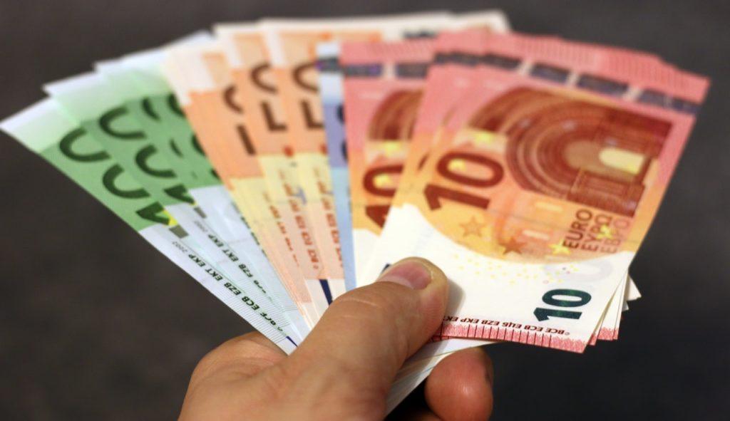 Was würdet ihr mit 1 mio euro machen